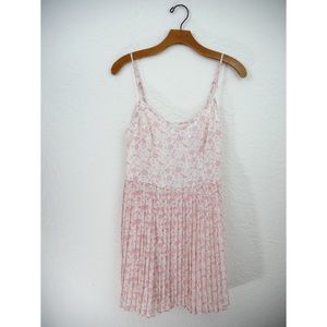 Hollister | Pink Floral Pleated Dress